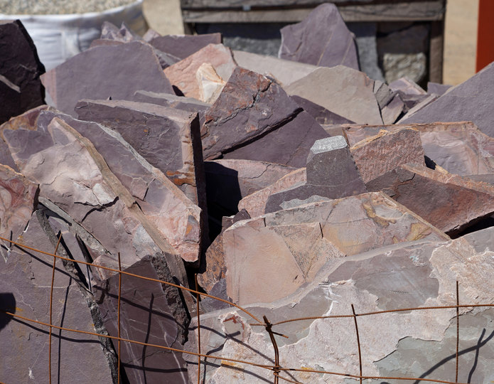 Mexican Rose natural flagstone patio pavers in bulk at rock yard 3