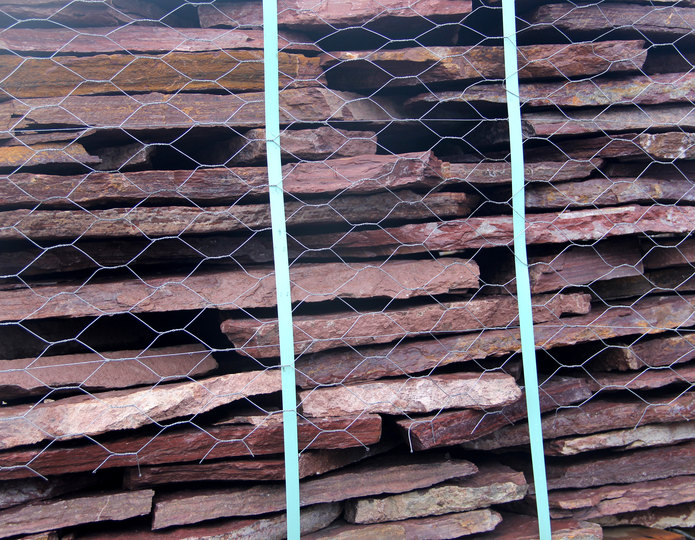 Cabernet Creek natural flagstone patio pavers in bulk at rock yard 2