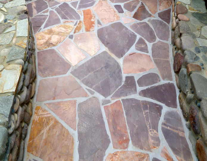 Mexican Rose Natural Patio Flagstone Installed on pathway
