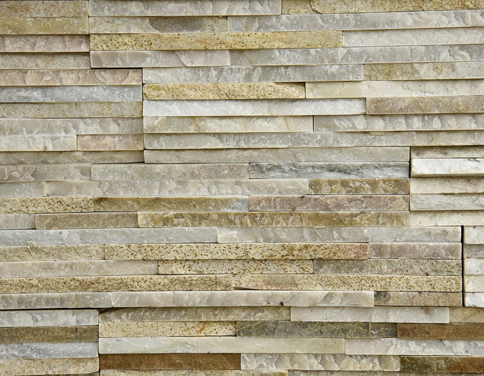 Golden Honey Pencil Stone Veneer Natural Ledgestone on rock wall project