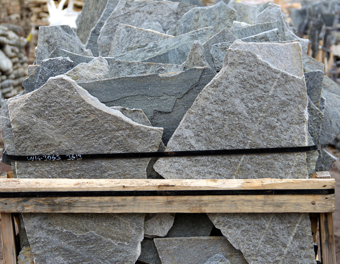 Storm Mountain natural flagstone patio pavers in bulk at rock yard