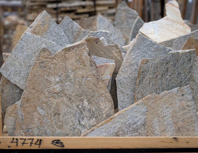 Platinum Flagstone natural flagstone patio pavers in bulk at rock yard 2