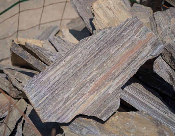 Barkwood natural flagstone patio pavers in bulk at rock yard 3