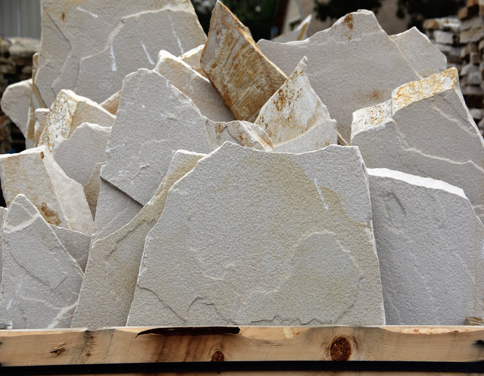El Cid natural flagstone patio pavers in bulk at rock yard 2
