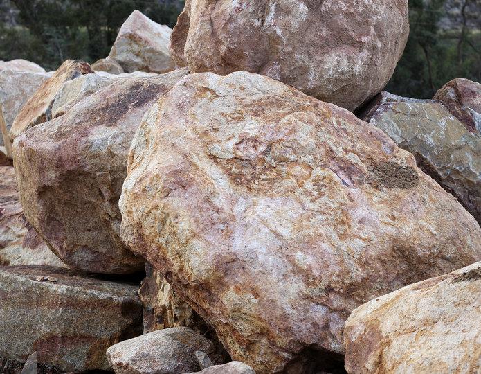 Palm Springs Gold landscape boulders in bulk at rock yard