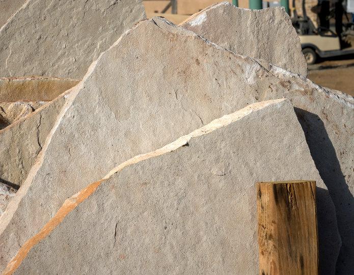 Arizona Classic Oak natural flagstone patio pavers in bulk at rock yard