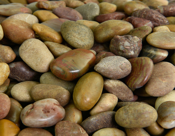 Red Polished decorative pebble in bulk at rock yard