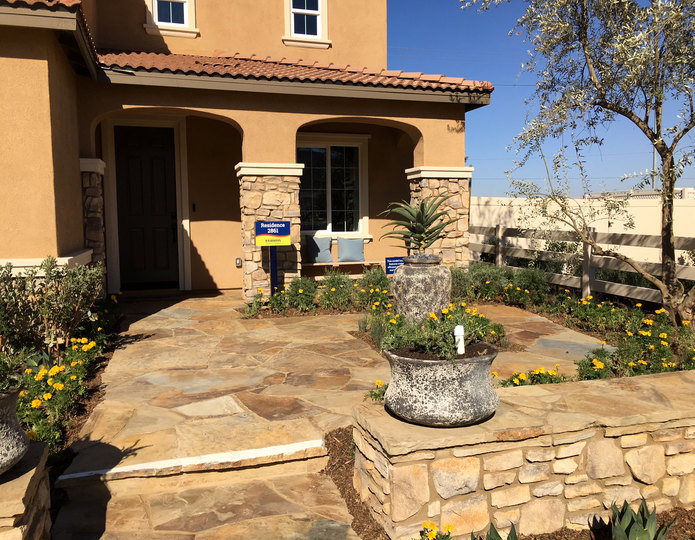 Cameron natural flagstone patio pavers in front yard
