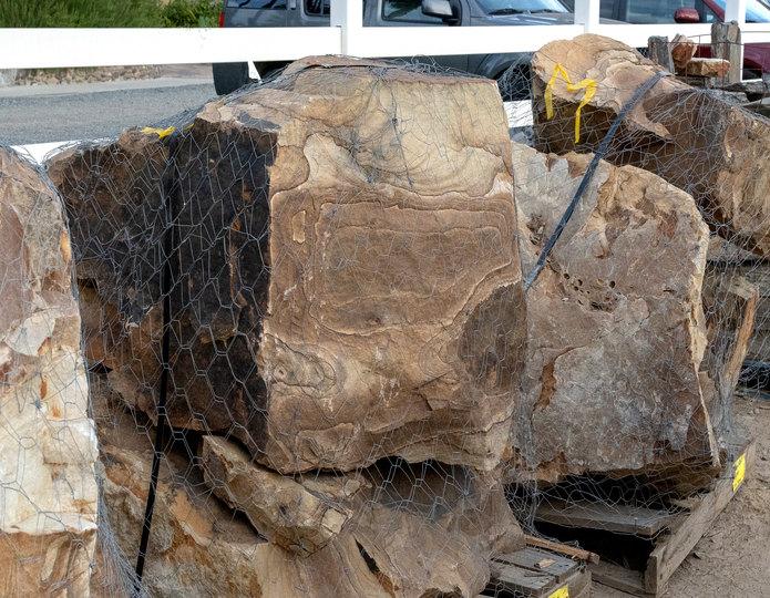 Wildhorse Swirl landscape boulder on pallet in rock yard 5