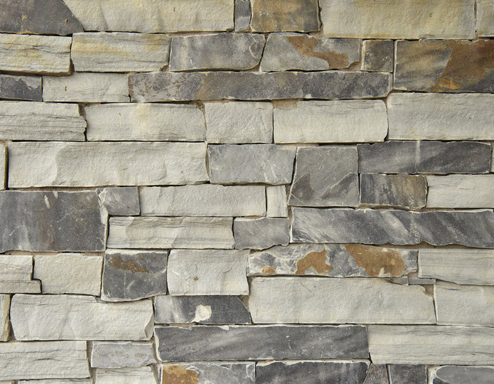 Iron Crest Stone Veneer Natural Ledgestone on rock wall project